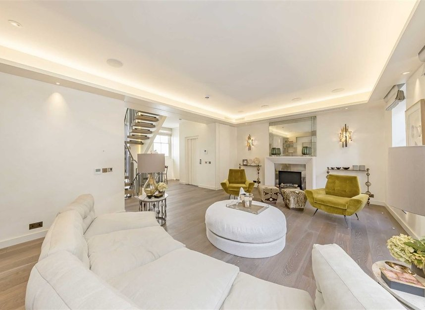 Properties to let in Eaton Mews South - SW1W 9HP view5
