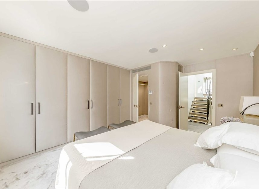 Properties to let in Eaton Mews South - SW1W 9HP view14