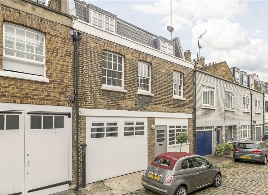 Eccleston Square Mews, London, SW1V