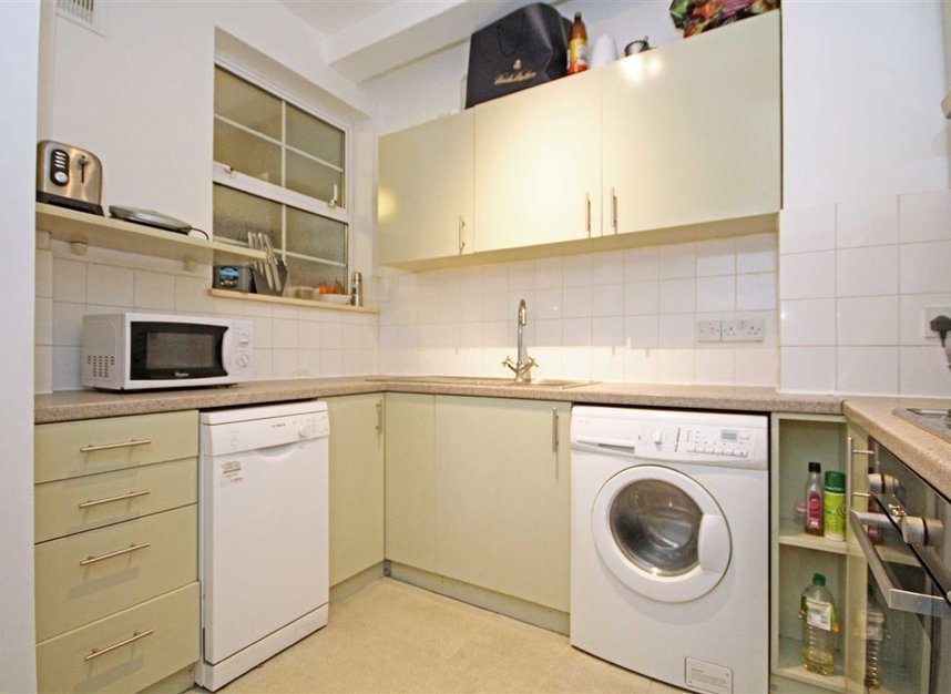 Properties to let in Edith Villas - W14 9AA view2