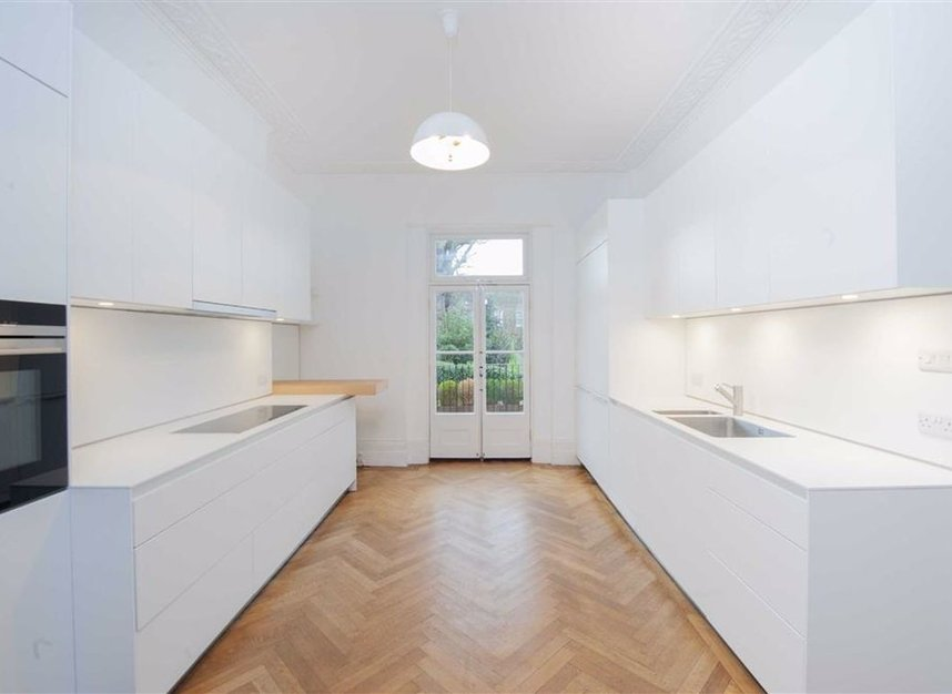 Properties to let in Egerton Crescent - SW3 2EB view4