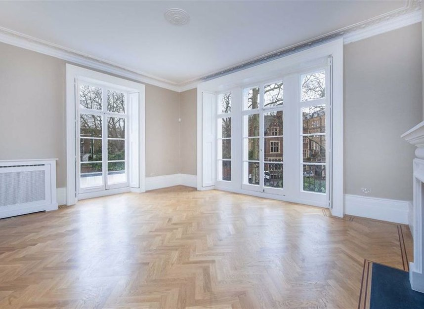 Properties to let in Egerton Crescent - SW3 2EB view3