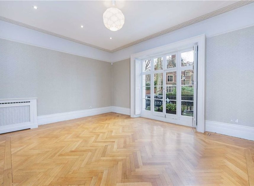 Properties to let in Egerton Crescent - SW3 2EB view2