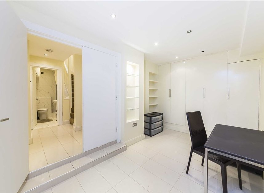 Properties to let in Eliot Mews - NW8 9ED view4