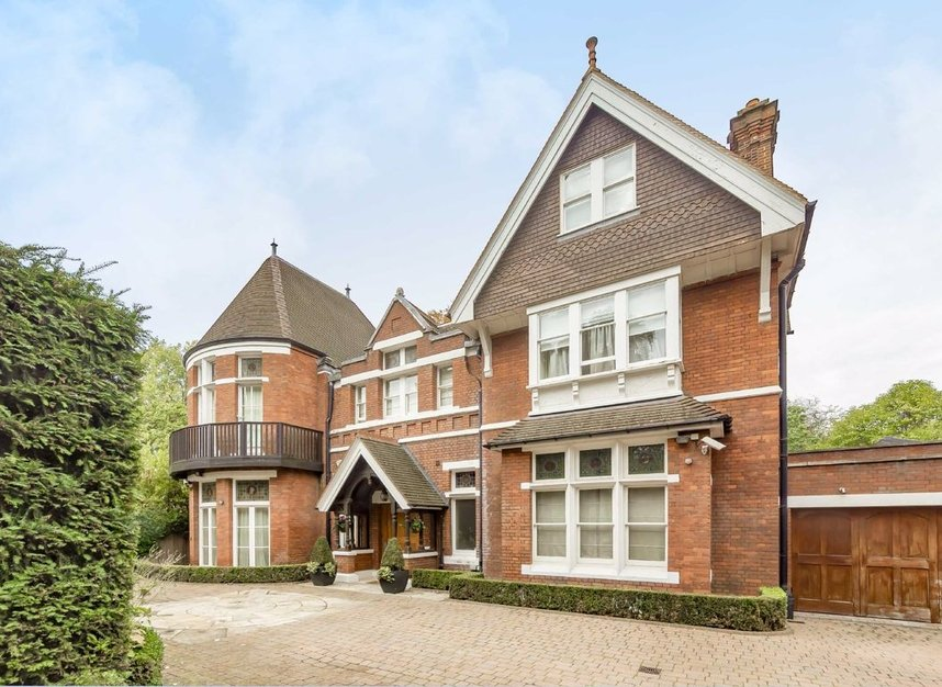 Properties to let in Elm Walk - NW3 7UP view1