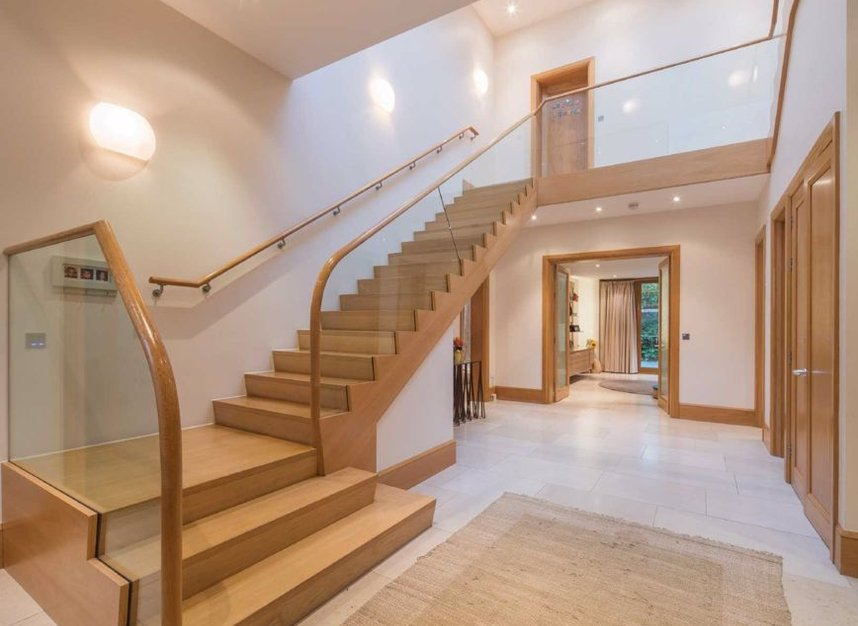 Properties to let in Elm Walk - NW3 7UP view5