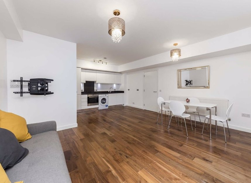 Properties to let in Elmore Street - N1 3AH view3