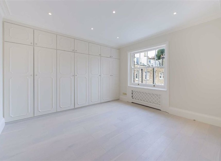 Properties to let in Ennismore Gardens - SW7 1NH view6