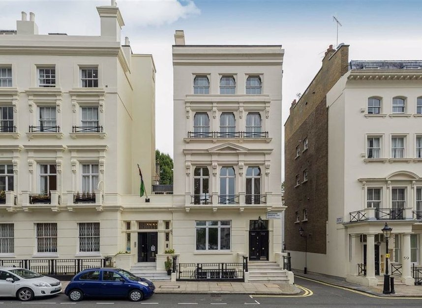 Properties to let in Ennismore Gardens - SW7 1NH view8