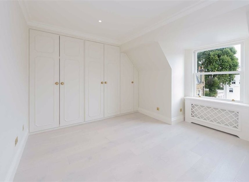 Properties to let in Ennismore Gardens - SW7 1NH view5