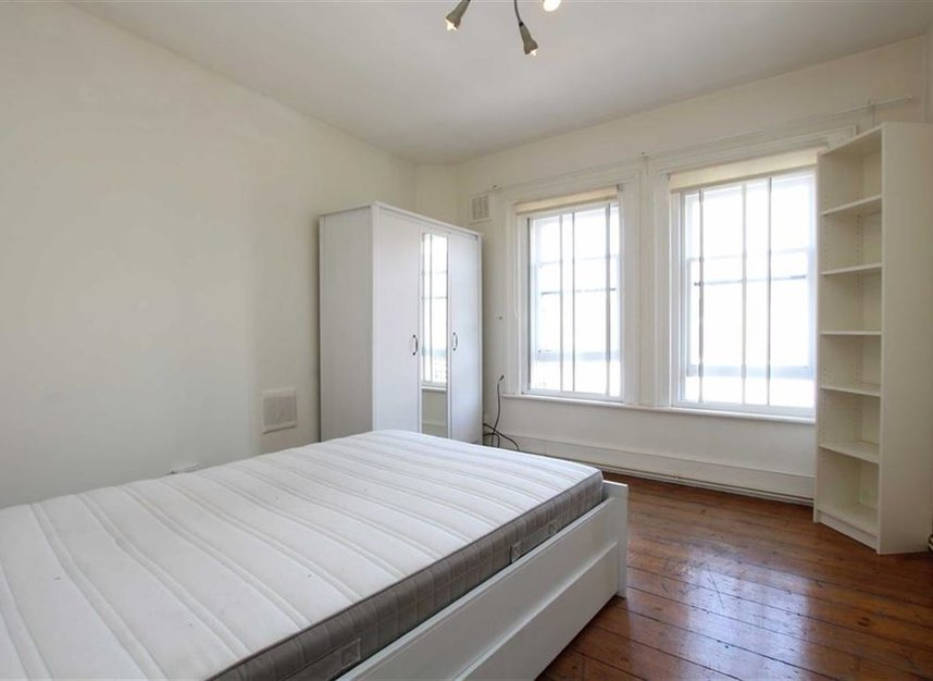 Properties to let in Essex Road - N1 2SN view1