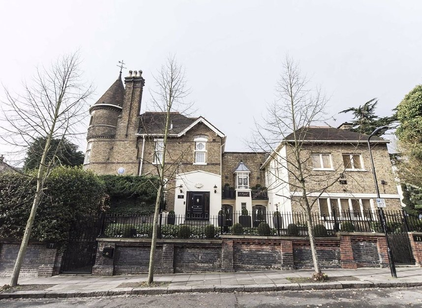 8 Bedrooms 8 Bathrooms short let house to rent in Frognal - NW3 6XY view9