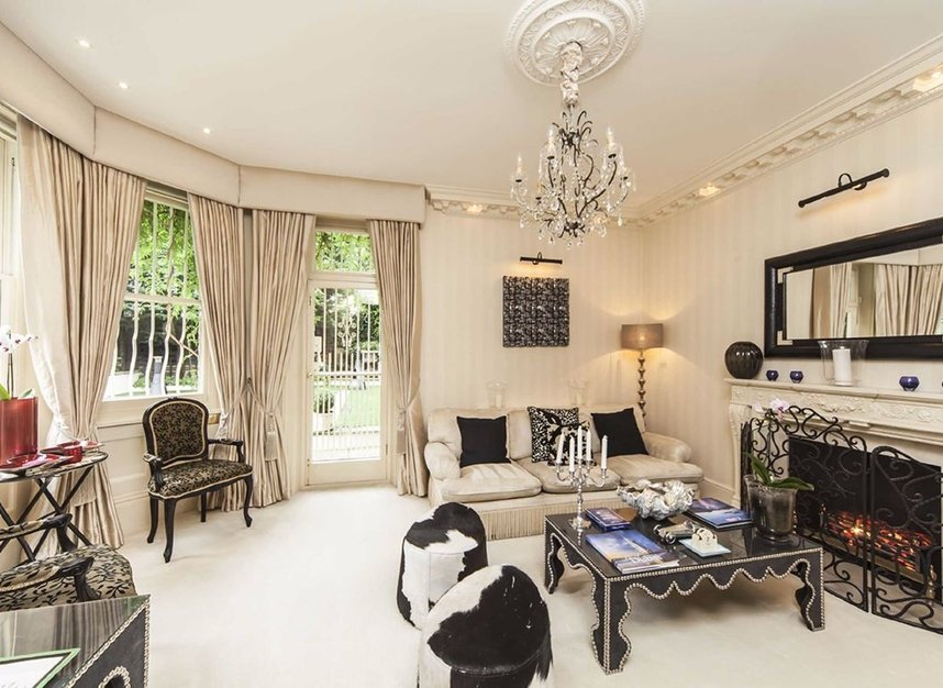 8 Bedrooms 8 Bathrooms short let house to rent in Frognal - NW3 6XY view8
