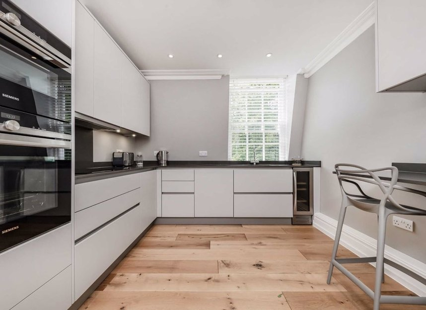 Properties let in Frognal - NW3 6YA view3