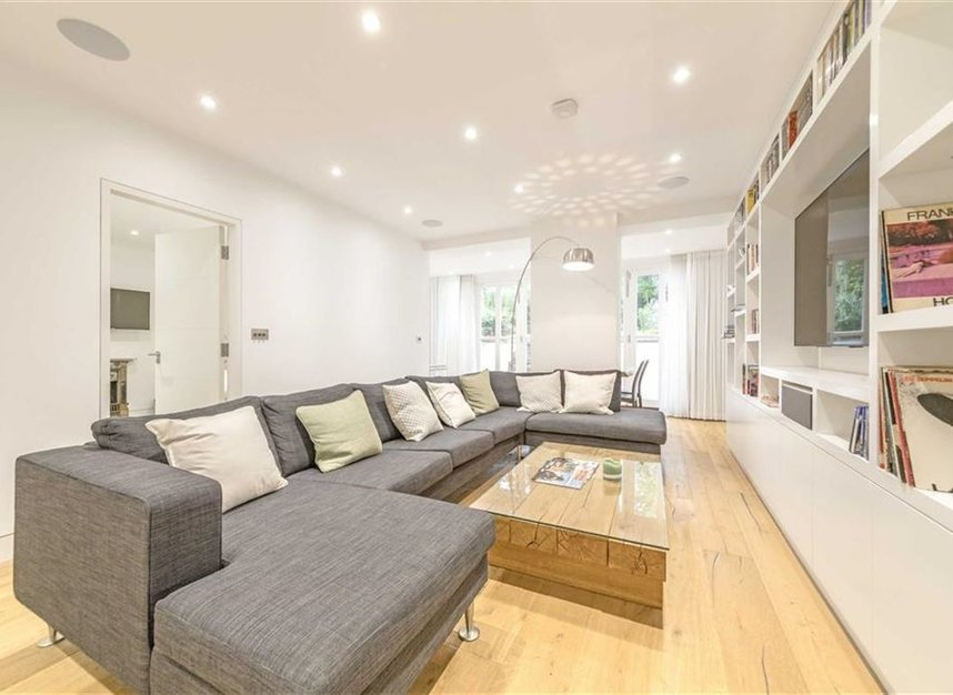 Properties to let in Gloucester Avenue - NW1 7BA view2