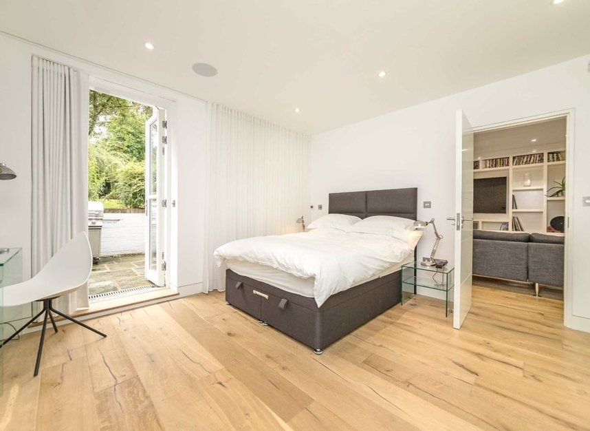 Properties to let in Gloucester Avenue - NW1 7BA view6