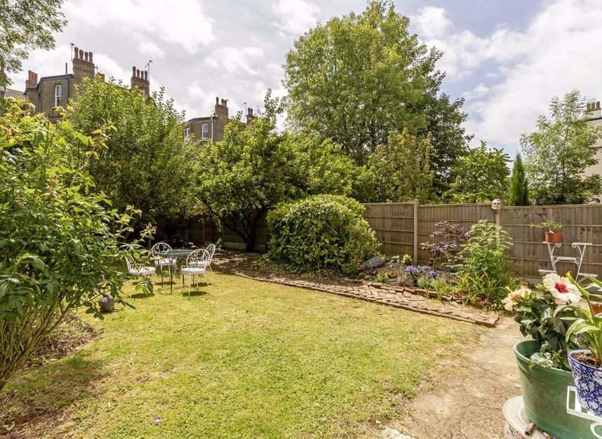 3 Bedrooms 2 Bathrooms short let flat to rent in Grantully Road - W9 1LQ view6