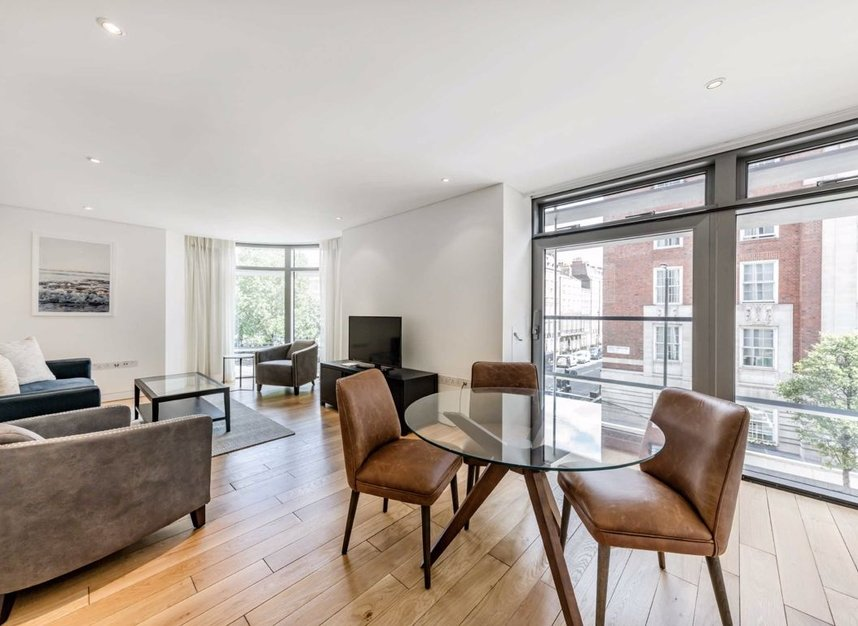 2 Bedrooms 2 Bathrooms short let flat to rent in Great Cumberland Place - W1H 7AS view4