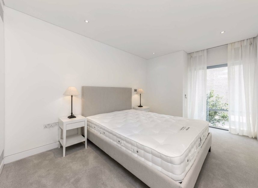 2 Bedrooms 2 Bathrooms short let flat to rent in Great Cumberland Place - W1H 7AS view5