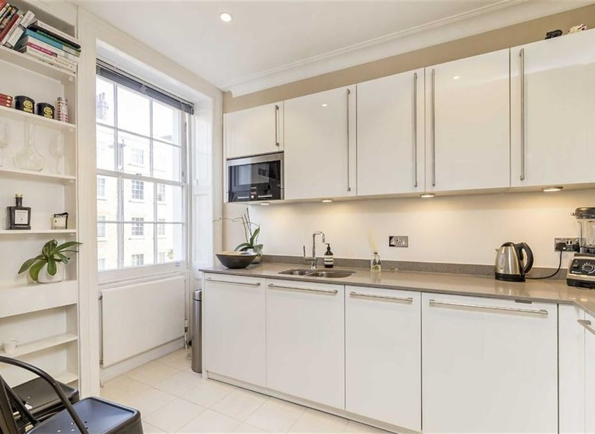Properties to let in Great Cumberland Place - W1H 7LJ view3