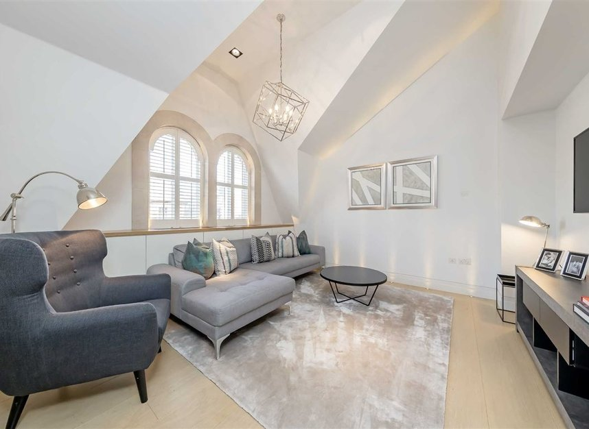 Properties to let in Green Street - W1K 6RQ view2
