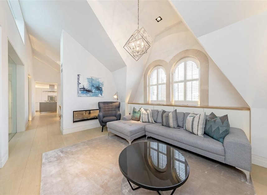 Properties to let in Green Street - W1K 6RQ view3