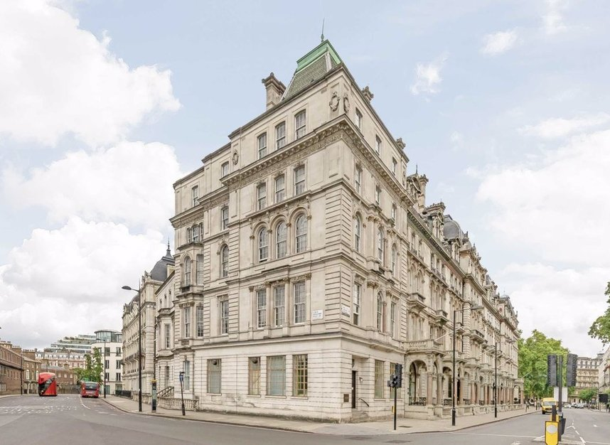 Properties to let in Grosvenor Gardens - SW1W 0BD view1