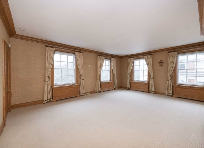 Properties to let in Grosvenor Square - W1K 3EP view6