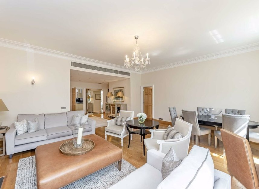 Properties let in Grosvenor Square - W1K 6LB view3