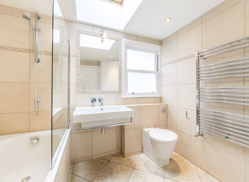 Properties to let in Hartismere Road - SW6 7UB view8