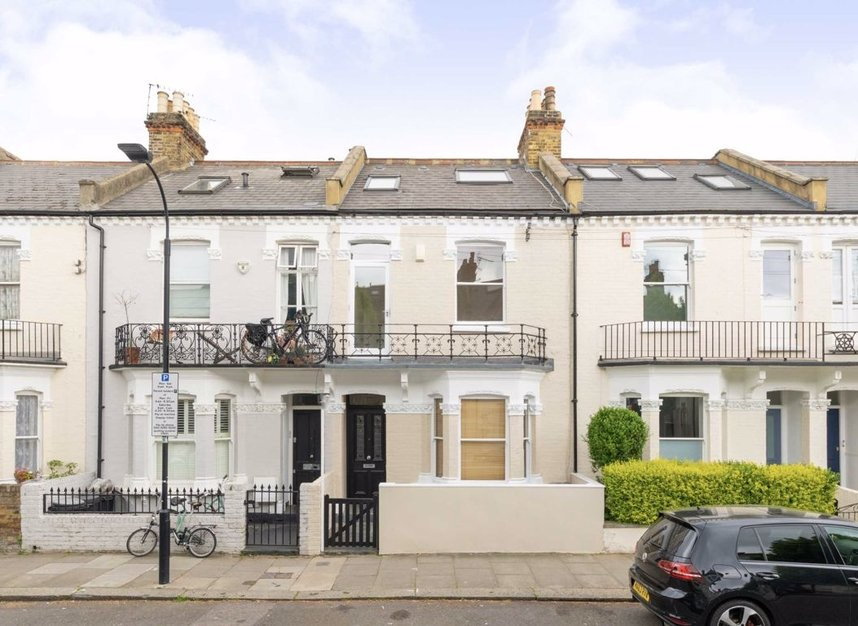 Properties to let in Hartismere Road - SW6 7UB view1