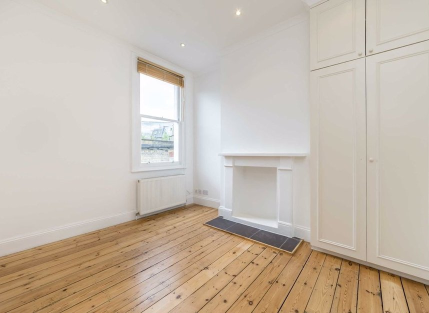 Properties to let in Hartismere Road - SW6 7UB view11