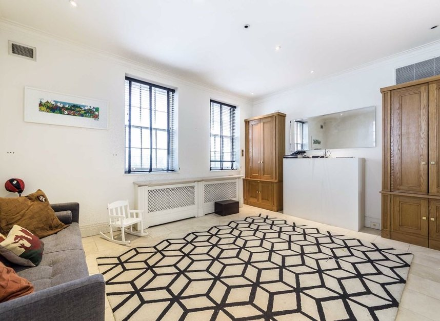 Properties to let in Hertford Street - W1J 7SW view7
