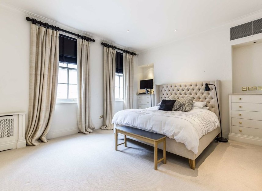 Properties to let in Hertford Street - W1J 7SW view4