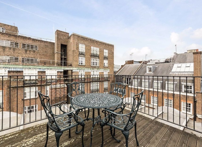 Properties to let in Hertford Street - W1J 7SW view8