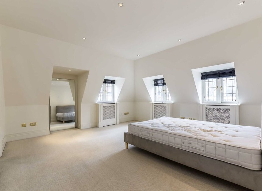 Properties to let in Hertford Street - W1J 7SW view6