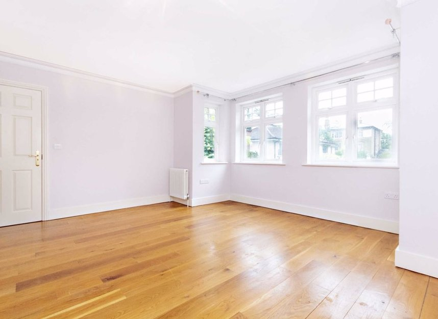 Properties to let in High Cedar Drive - SW20 0NU view7