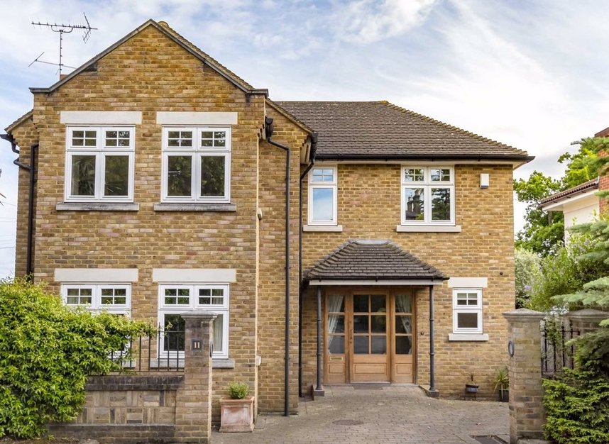 Properties to let in High Cedar Drive - SW20 0NU view1