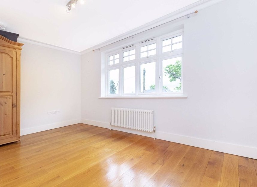 Properties to let in High Cedar Drive - SW20 0NU view13