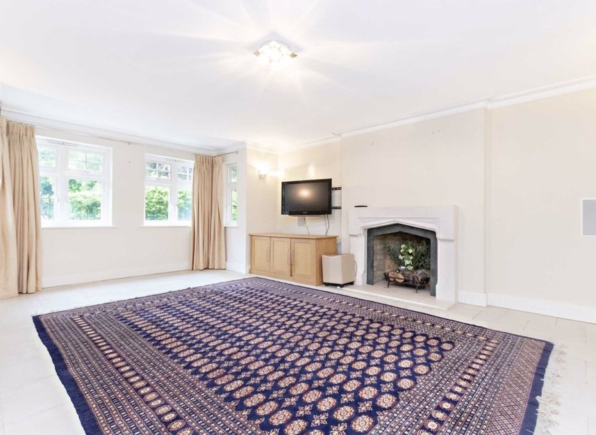 Properties to let in High Cedar Drive - SW20 0NU view2