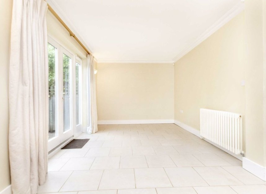 Properties to let in High Cedar Drive - SW20 0NU view5