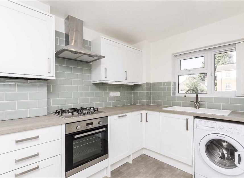 Properties to let in High Park Avenue - TW9 4BW view2