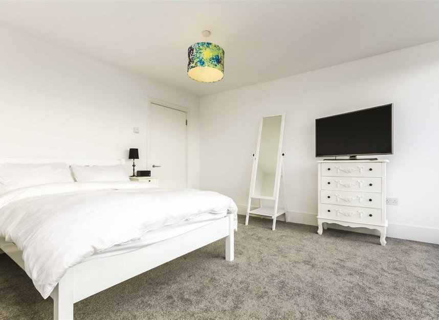 Properties to let in Highbury Stadium Square - N5 1FJ view5