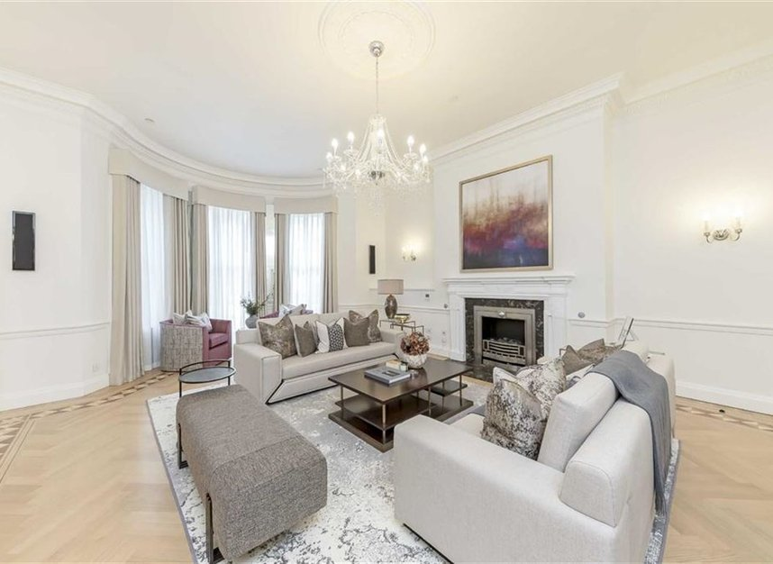 Properties to let in Hill Street - W1J 5NN view1