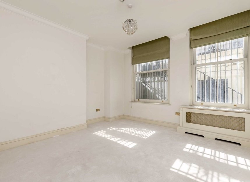 Properties to let in Hill Street - W1J 5NW view5