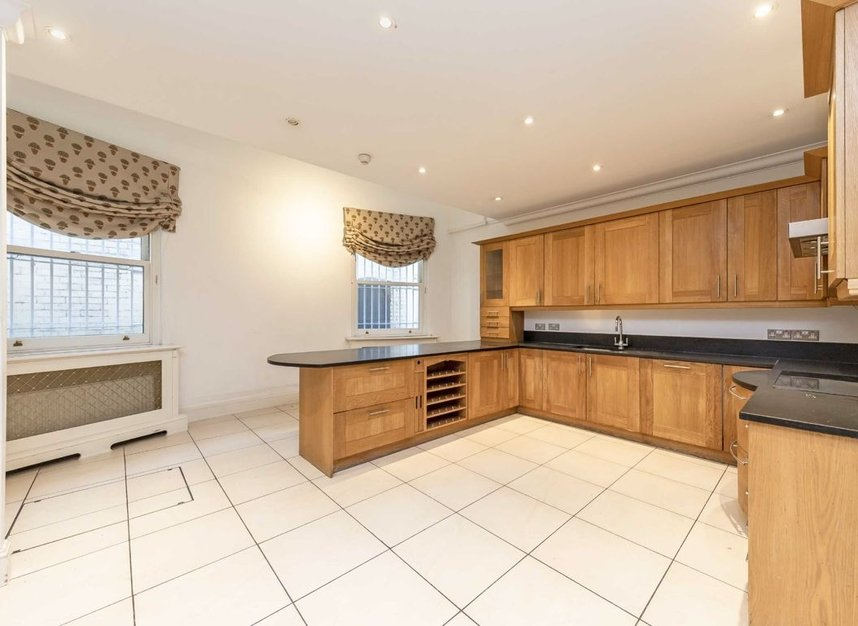 Properties to let in Hill Street - W1J 5NW view3