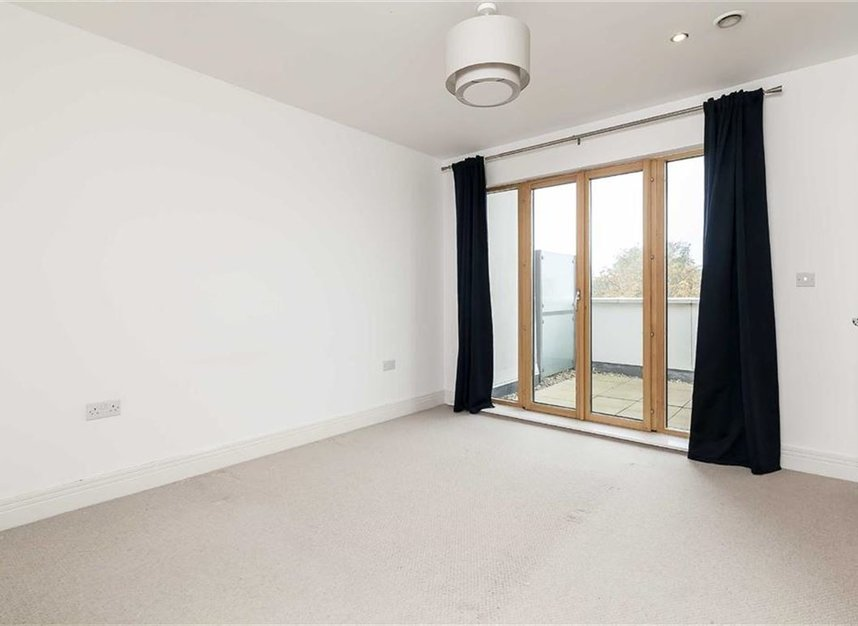 Properties to let in Holford Way - SW15 5DH view4