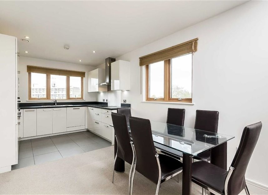 Properties to let in Holford Way - SW15 5DH view3