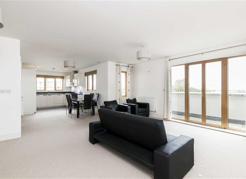 Properties to let in Holford Way - SW15 5DH view2