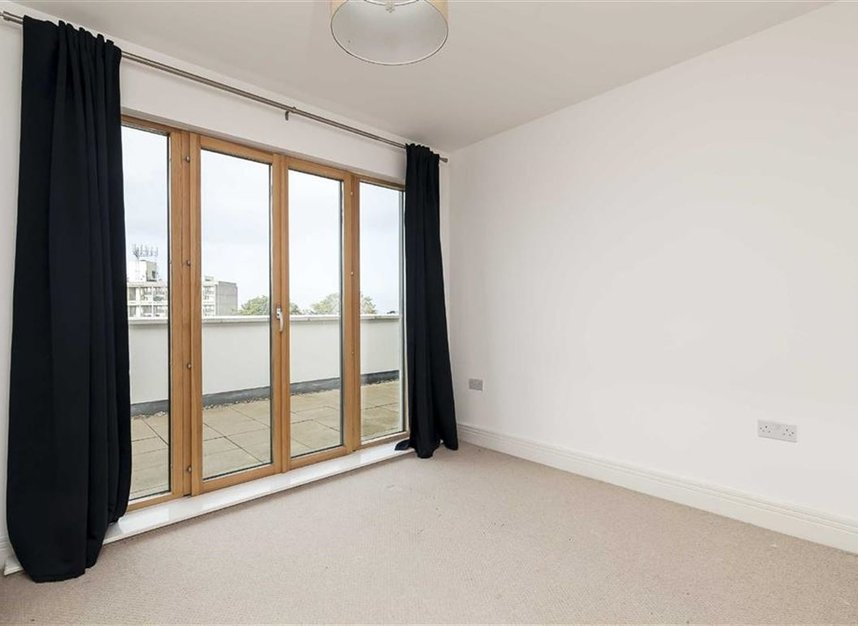 Properties to let in Holford Way - SW15 5DH view5